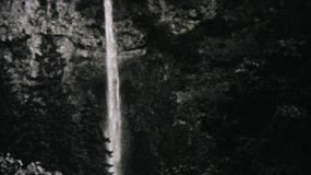 A clip of beautiful Multnomah Falls in Oregon in 1940.